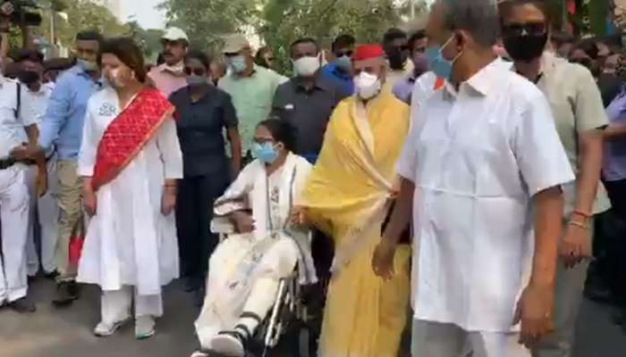 West Bengal Election 2021: শহরে Mamata রোড শোয়ে হাঁটলেন Jaya; বললেন,'পরিবর্তন চাই না'
