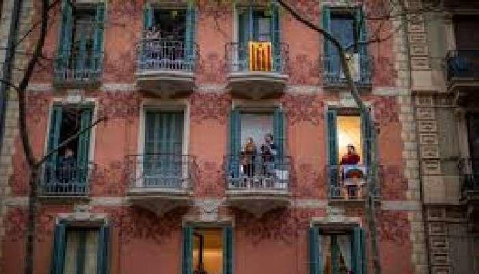 সহসাই 'স্বাধীনতা'র রঙিন উৎসব স্পেন জুড়ে