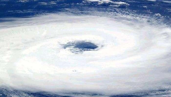 Cyclone Yaas: দাপট বাড়ছে নিম্মচাপের, বাংলার ৪ জেলায় জারি চূড়ান্ত সতর্কতা