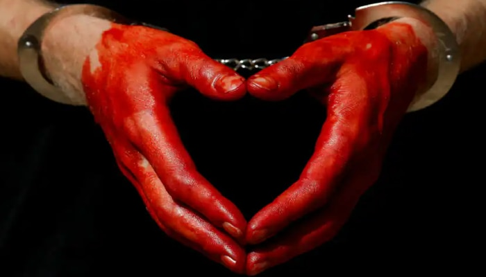 Wife Murders Husband: স্বামীকে কুপিয়ে খুন স্ত্রীয়ের, ৩ অংশে ভাগ করে দেহ লুকোলেন রান্নাঘরে