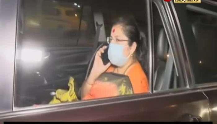 Locket Chatterjee visit hospital to see Mukul Roy's wife