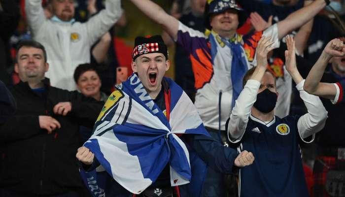 UEFA EURO 2020: ফুটবল দেখতে গিয়েই COVID-19 আক্রান্ত শয়ে শয়ে Scotland সমর্থক!