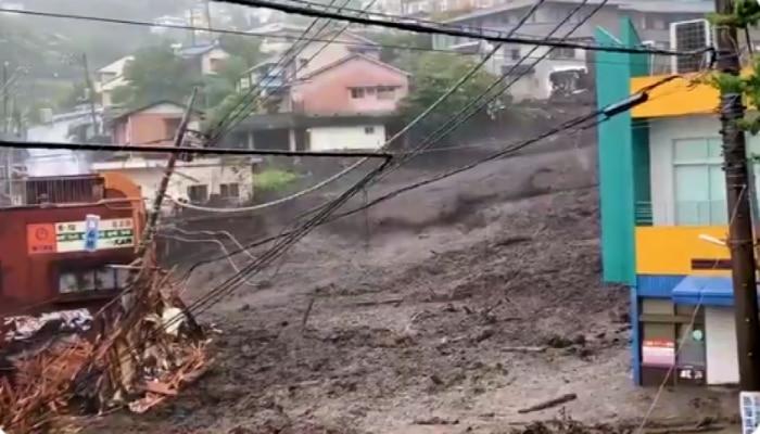 Japan Mudslide: ভয়াবহ কাদাস্রোতে ভেসে গেল সারি সারি বাড়িঘর, নিখোঁজ কমপক্ষে ১৯