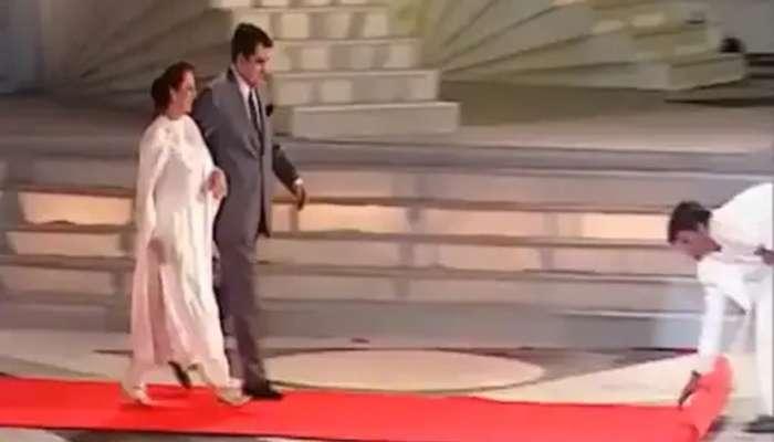 Zee Cine Awards: দিলীপ সাবের জন্য রেড কার্পেট পাতেন Shah Rukh