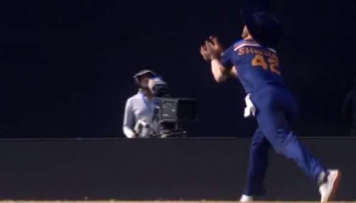 India vs Sri Lanka: KUL-CHA ম্যাজিক! অনন্য ক্যাচে আলোচনায় Dhawan, রইল ভিডিয়ো