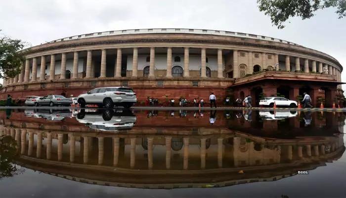 Monsoon Session: সংসদের ইতিহাসে প্রথম, ৫৬টি Obituary দিয়ে শুরু অধিবেশন