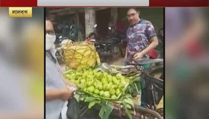 Guava seller from ASP, why did that police officer do that? Watch Video   Murshidabad   ZEE 24 Ghanta
