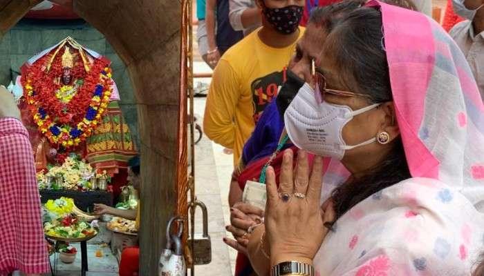 ত্রিপুরার মানুষের নামে পুজো, মমতা-অভিষেকের জন্য 'মা ত্রিপুরেশ্বরী'র শরণে Kakoli