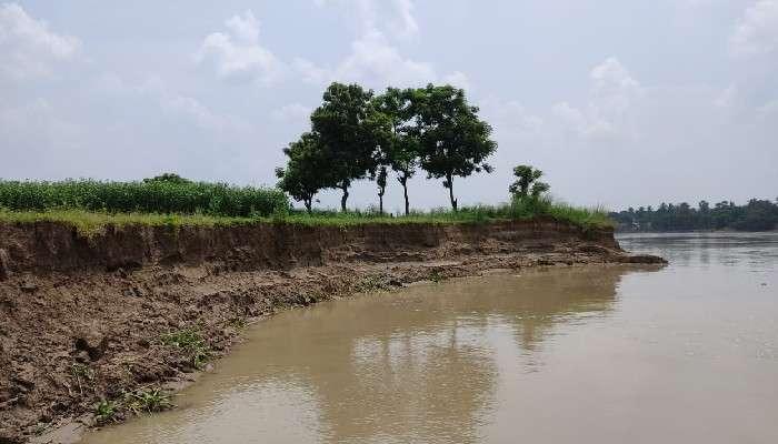 Kalna Heavy Rain: লোকালয়ের দিকে ক্রমশ এগোচ্ছে নদী! তলিয়েছে চাষজমি, ডুবতে পারে রেলপথ