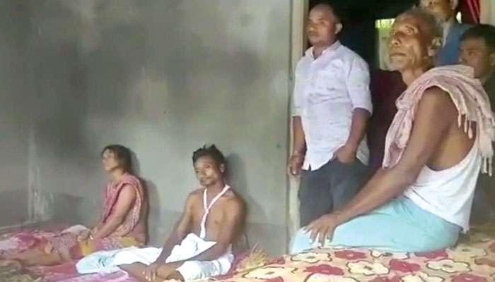 Chopra: কানে হেডফোন, রেললাইনে বসে মগ্ন মোবাইল গেমে, চোপরায় মর্মান্তিক পরিণতি ৪ যুবকের