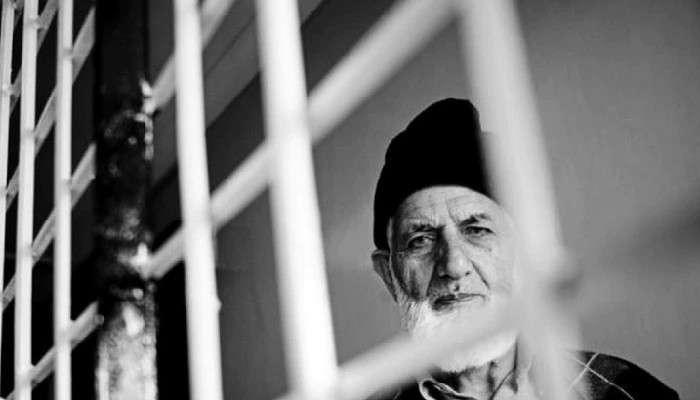 Kashmir: পাক পতাকায় জড়িয়ে Syed Geelani, শেষ যাত্রায় উঠল দেশবিরোধী স্লোগান! মামলা দায়ের