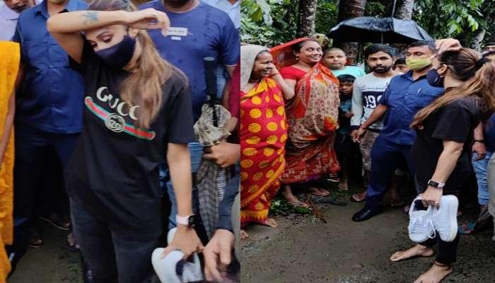Mimi Chakraborty: জুতো হাতে খালি পায়েই জলমগ্ন ভাঙ্গড় পরিদর্শনে অভিনেতা-সাংসদ