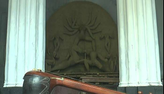 Durga Puja 2021: আজও সুরের মূর্ছনায় ভেসে যায় নবদ্বীপের চন্দ্রবাড়ির নাটমন্দির