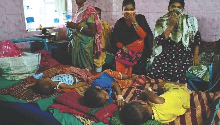 Jalpaiguri: গাদাগাদি ভিড়, জ্বর নিয়ে শিশুদের ভিড় বাড়ছে জলপাইগুড়ি সদর হাসপাতালে