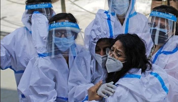 Coronavirus: স্বস্তি! দেশে নিম্নমুখী করোনা গ্রাফ, কমল মৃত্যুও
