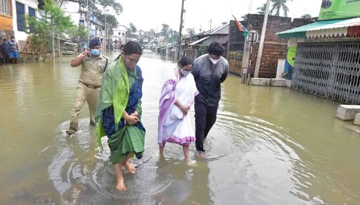WB Flood: আকাশপথে বন্যা কবলিত এলাকা পরিদর্শনে Mamata, 'ম্যান মেড বন্যা', তোপ DVC-কে