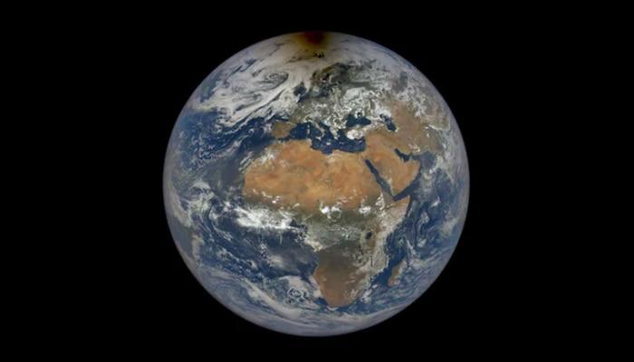 Earth's Brightness: ক্রমশ ফ্যাকাশে হয়ে যাচ্ছে পৃথিবী, উদ্বেগ প্রকাশ  NASA-র বিজ্ঞানীদের