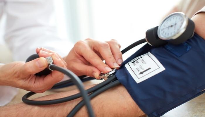 Health News: লো ব্লাড প্রেশারের সমস্যা? হঠাৎ কমে গেলে এই নিয়মগুলি মেনে চলুন